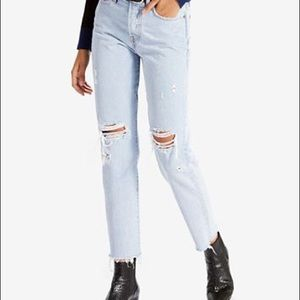 Levi's Light Wash High Waisted Wedgie Jeans